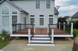 Hudson composite deck with inlay